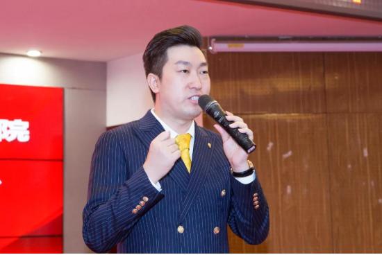 周文强先生受聘为北京世华管理专修学院校董